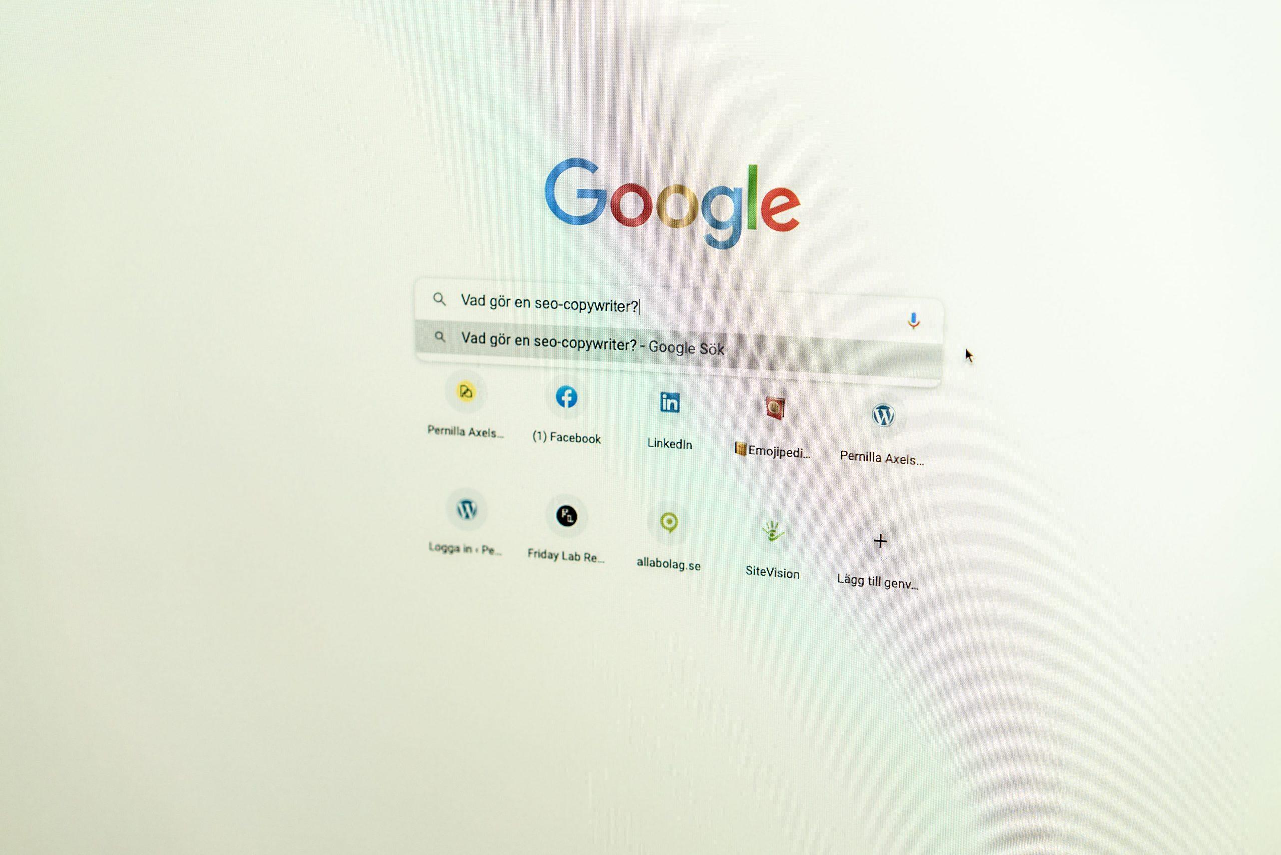 Skärmdump på Google där Pernilla Axelsson ska googla Vad gör en SEO-copywriter?